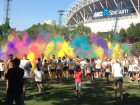 COLOR RUN 2013 - Everyone throwing their colour packets in the air at the finish festival
